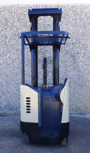FL1215 - Crown RR5220-45 Reach Truck